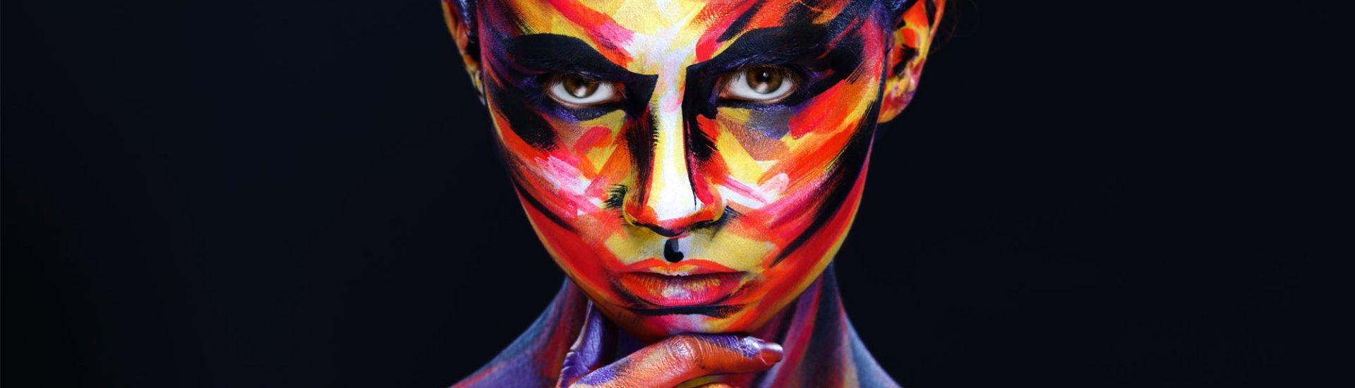 Farbige Kontaktlinsen: Typen, Aufbewahrung & Pflege