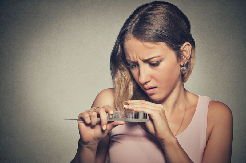 Haarausfall nach der Schwangerschaft: Ursachen, Was kann man tun?